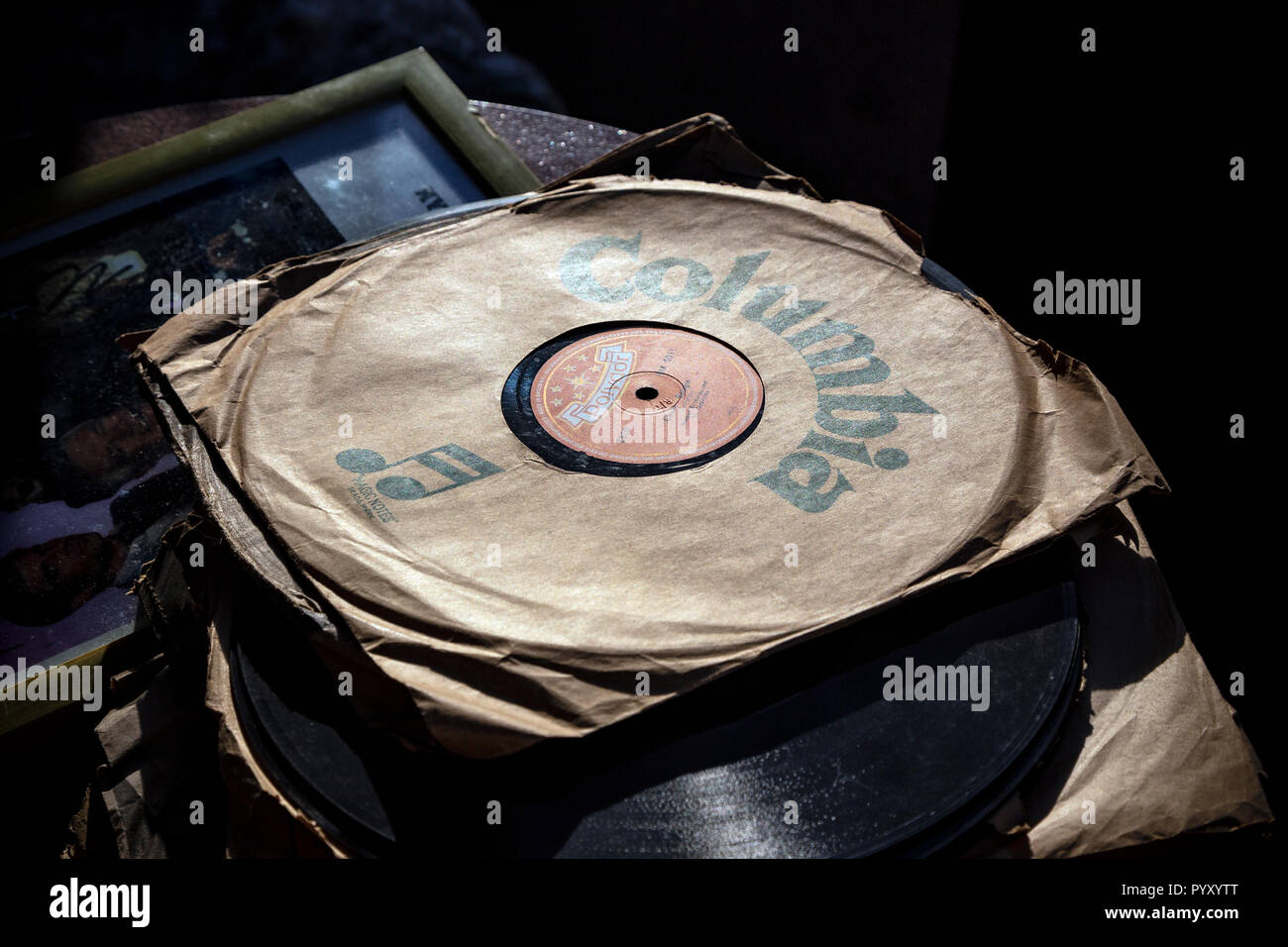 Vinyl Record Cut Out Stock Photos Amp Vinyl Record Cut Out