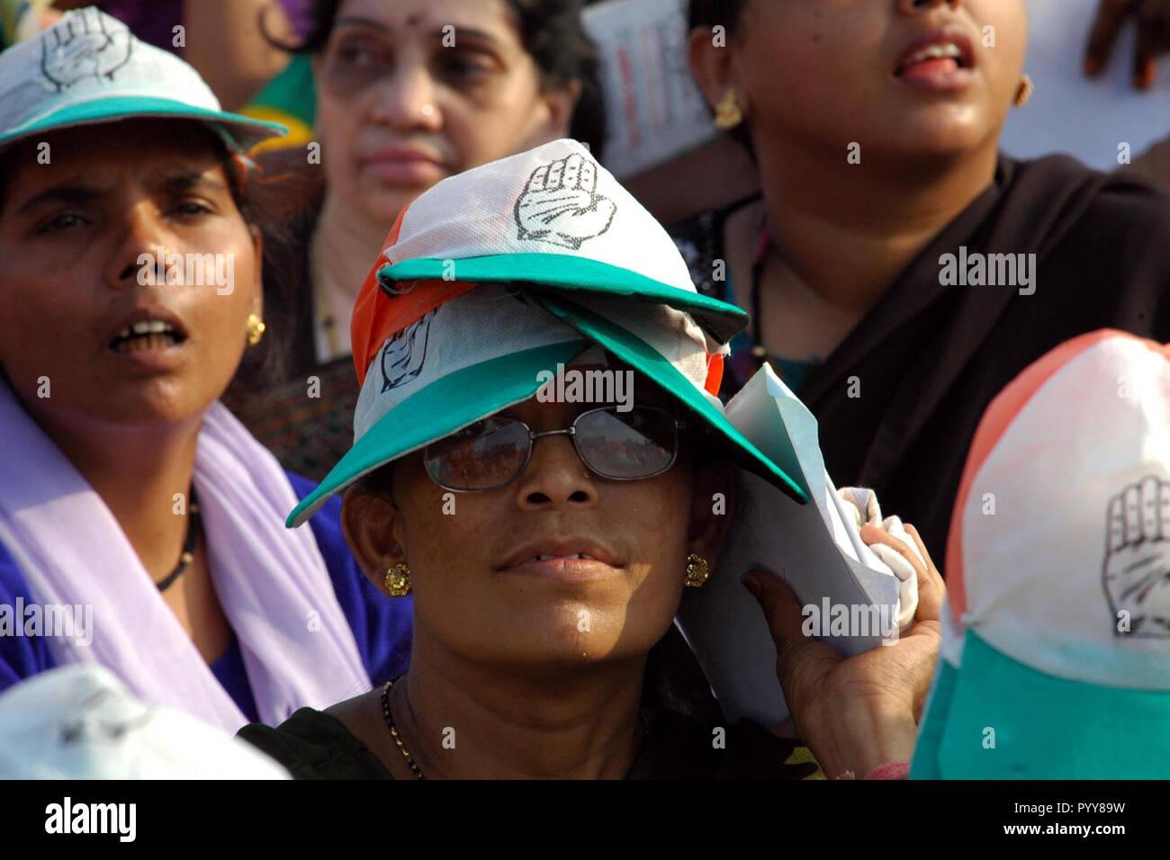 Woman supporter at Shivaji Park, Mumbai, Maharashtra, India, Asia - Stock Image