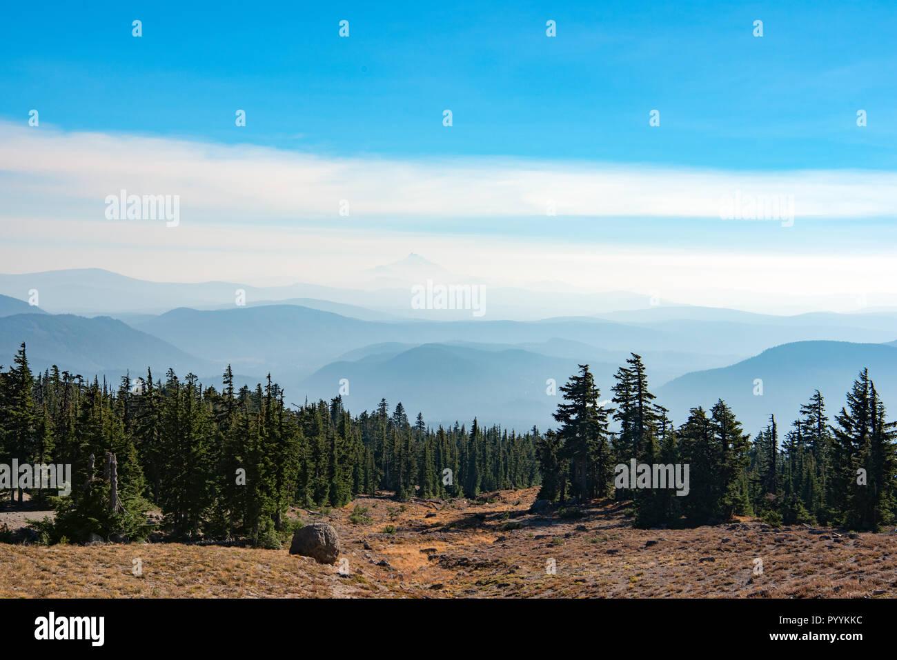 Mount Jefferson peak view from Mount Hood, Oregon, USA - Stock Image