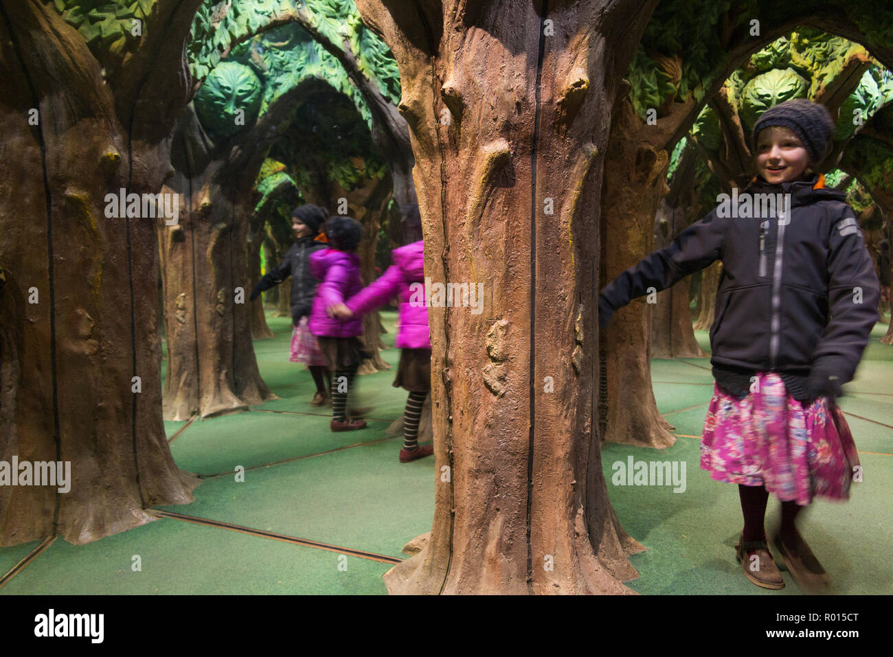 King Arthur's Mirror Maze with exploring children / kids / kids at Longleat Safari Park, Wiltshire. UK (103) - Stock Image