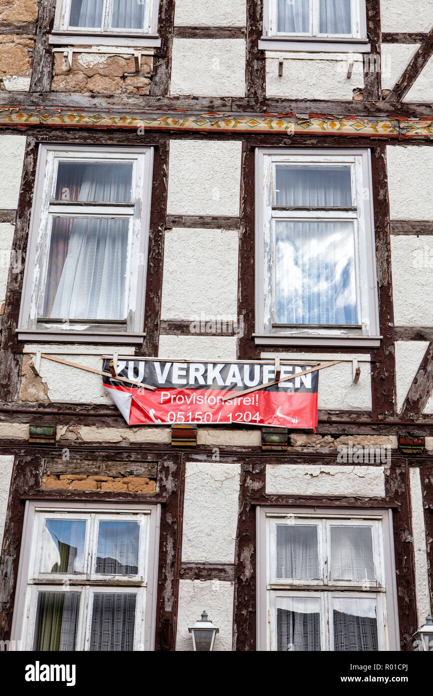House for sale, bad condition, Bodenwerder, Weserbergland, Lower Saxony, Germany, Europe - Stock Image