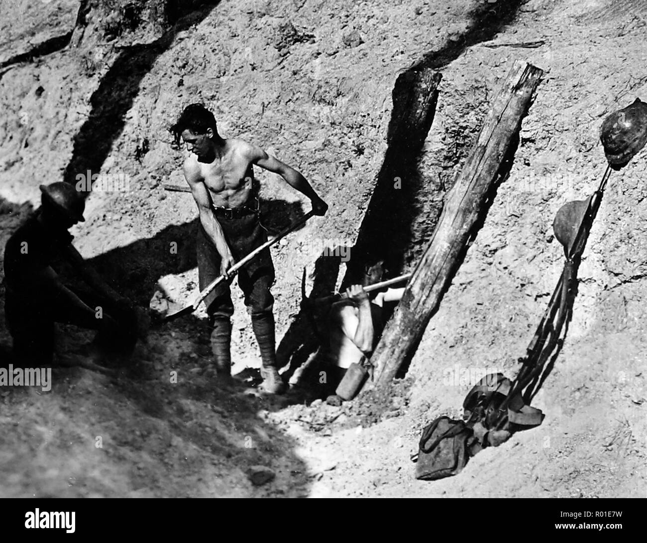 Sappers tunnelling at Hill 60, Ypres, during the First World War - Stock Image