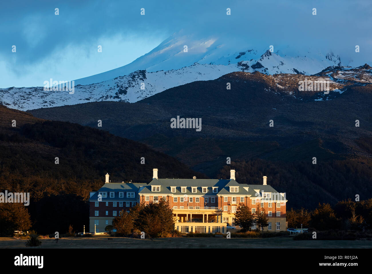 Grand Chateau and Mt Ruapehu, Central Plateau, North Island, New Zealand - Stock Image