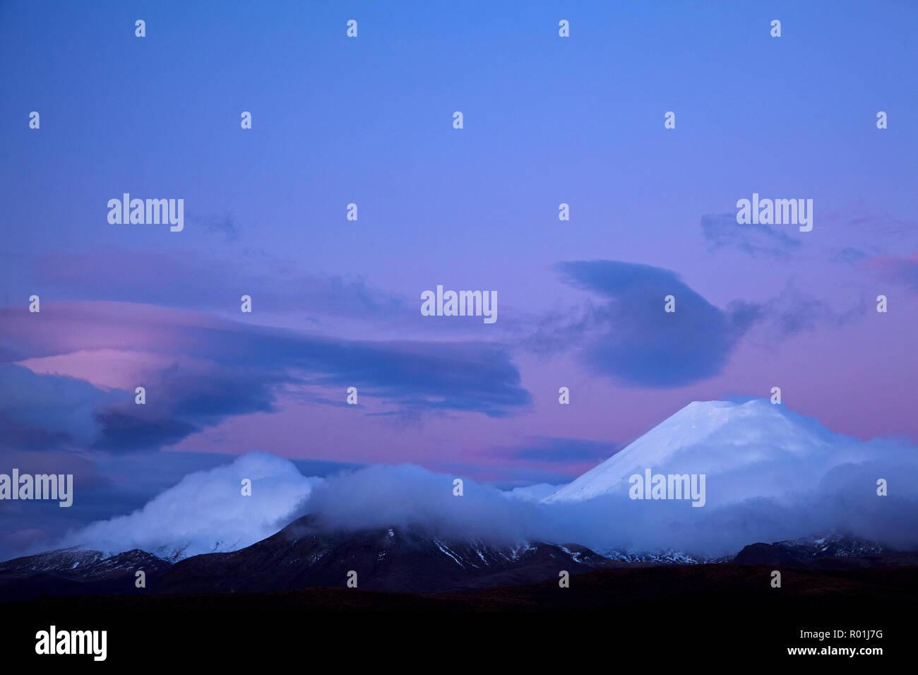 Dusk, Mt Ngauruhoe, Tongariro National Park, Central Plateau, North Island, New Zealand - Stock Image