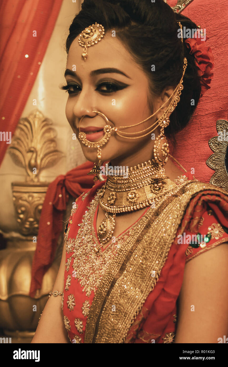 June 03,2018. Durgapur, India. An unidentified beautiful young Indian Model Poses with Indian  Bridal Make up. Stock Photo