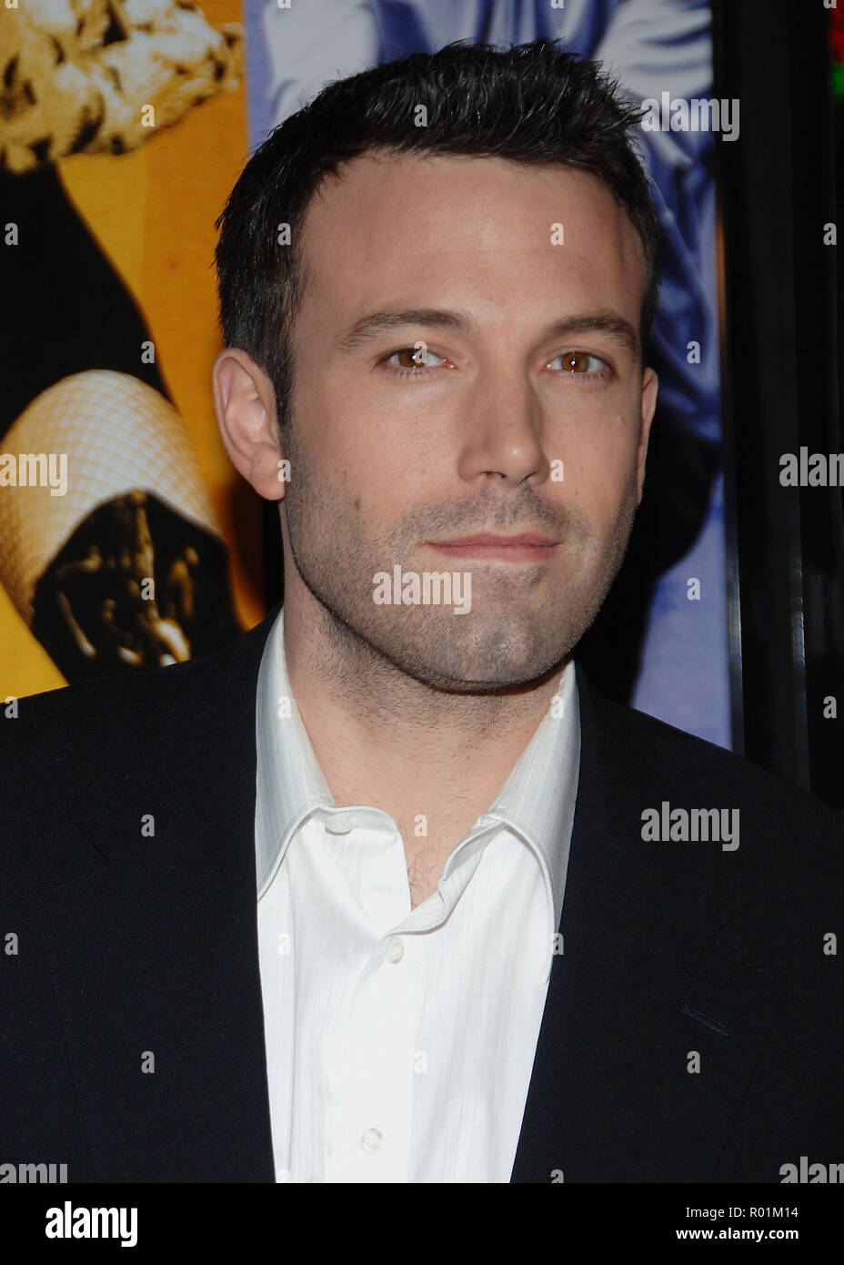 Ben Affleck arriving at the Smokin' Aces at the Chinese Theatre In Los Angeles. January 18, 2007.  eye contact headshot 06_AffleckBen053 Red Carpet Event, Vertical, USA, Film Industry, Celebrities,  Photography, Bestof, Arts Culture and Entertainment, Topix Celebrities fashion /  Vertical, Best of, Event in Hollywood Life - California,  Red Carpet and backstage, USA, Film Industry, Celebrities,  movie celebrities, TV celebrities, Music celebrities, Photography, Bestof, Arts Culture and Entertainment,  Topix, headshot, vertical, one person,, from the year , 2007, inquiry tsuni@Gamma-USA.com - Stock Image
