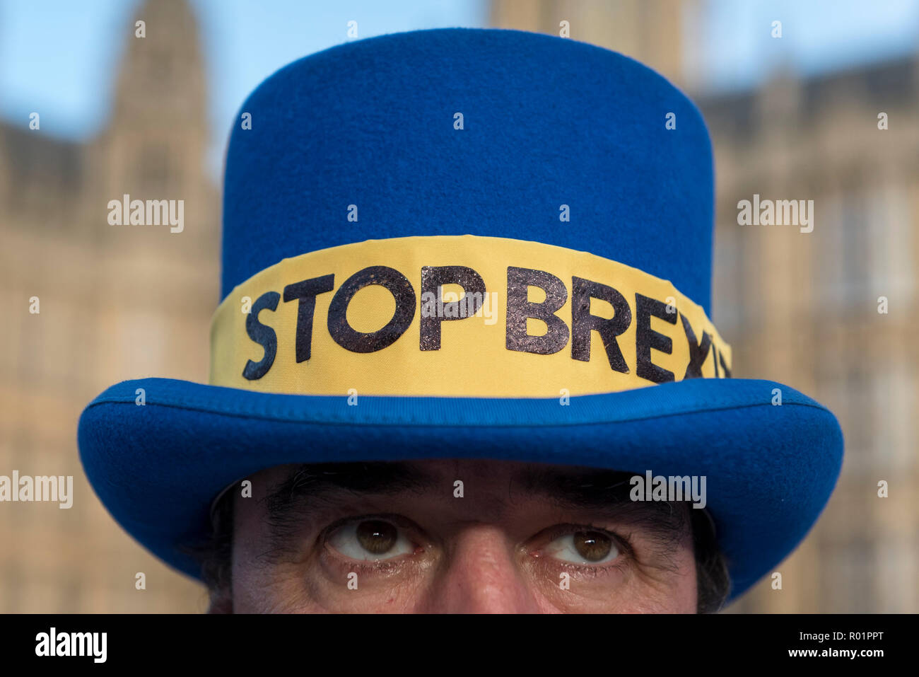 London, UK.  31 October 2018.  Steve Bray, leader of Stand of Defiance European Movement (SODEM), stands outside Parliament as the group continues their anti-Brexit campaign which began in September 2017. Credit: Stephen Chung / Alamy Live News Stock Photo