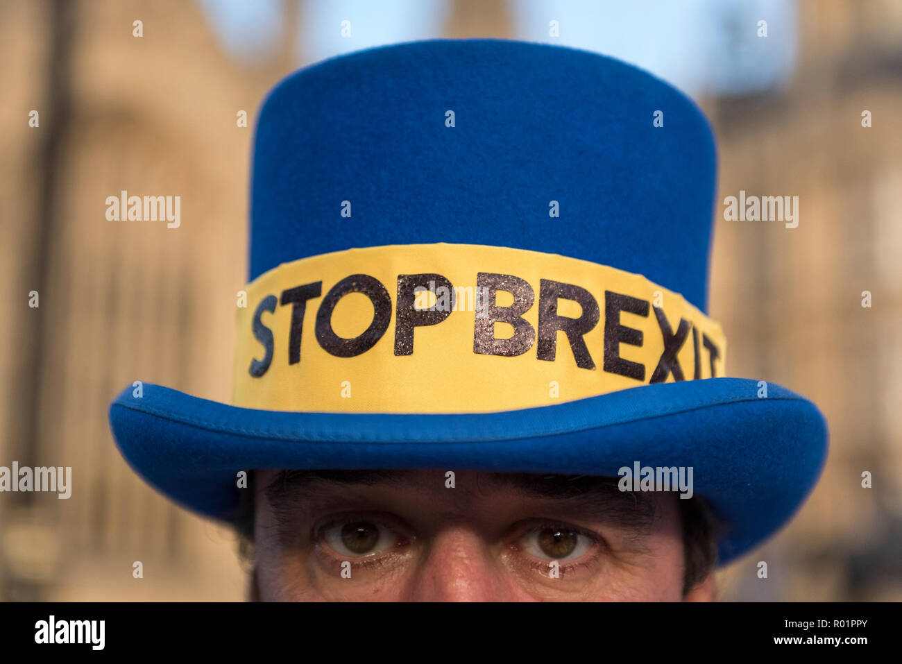 London, UK.  31 October 2018.  Steve Bray, leader of Stand of Defiance European Movement (SODEM), stands outside Parliament as the group continues their anti-Brexit campaign which began in September 2017. Credit: Stephen Chung / Alamy Live News - Stock Image