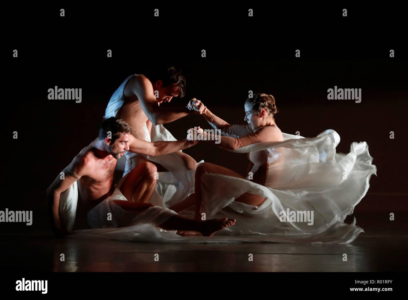 Spanish dancer and choreographer Blanca Li presents her latest show 'Solstice', in Madrid, Spain, 31 October 2018. The production has been co-managed by the 'Teatros del Canal' and the Chaillot Theater of Paris. EFE/J.P.Gandul - Stock Image