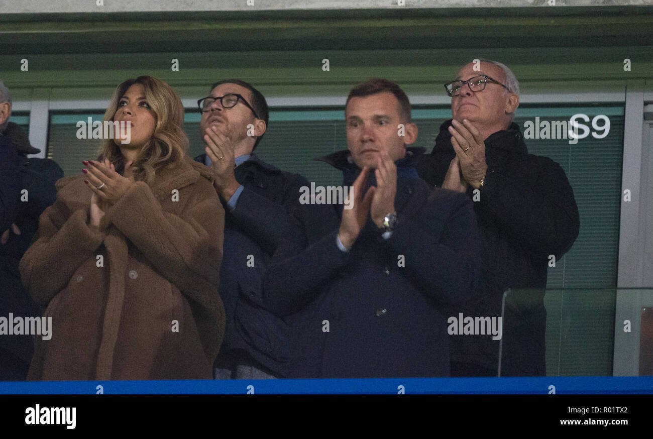 London, UK. 31st October, 2018. Former Leicester manager Claudio Ranieri joins a minutes applause to acknowledge recent tragedy during the Carabao Cup round of 16 match between Chelsea and Derby County at Stamford Bridge, London, England on 31 October 2018. Photo by Andy Rowland./Alamy Live News - Stock Image