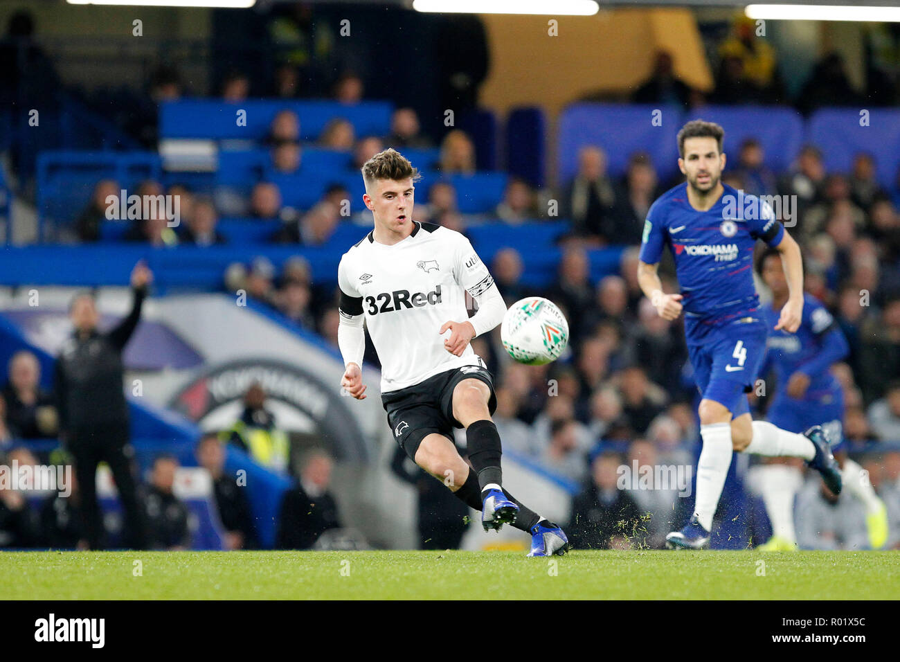Mason Mount of Derby County spreads play during the EFL Carabao Cup Round of 16 match between Chelsea and Derby County at Stamford Bridge, London, England on 31 October 2018. Photo by Carlton Myrie.  Editorial use only, license required for commercial use. No use in betting, games or a single club/league/player publications. - Stock Image