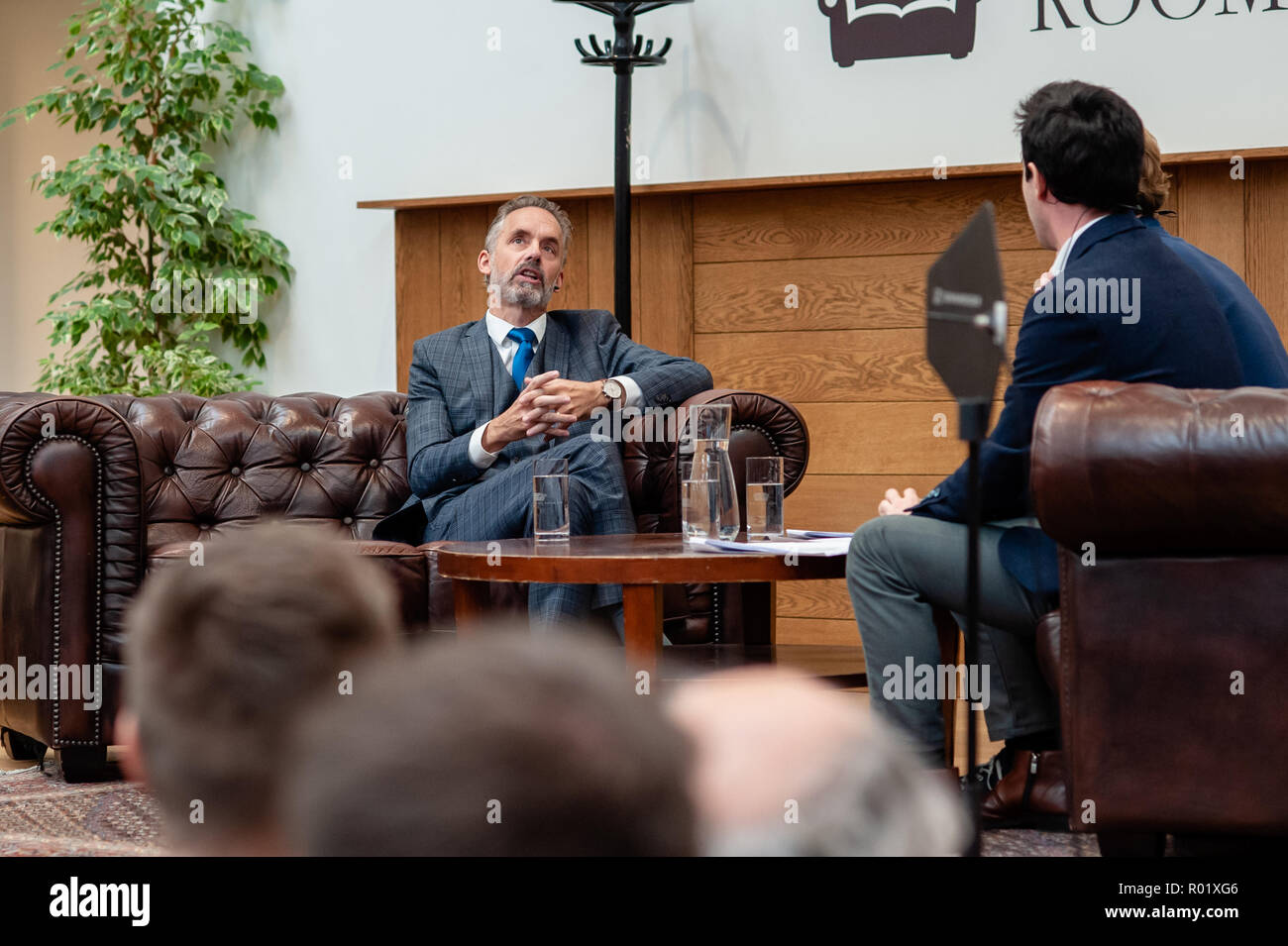 Amsterdam, The Netherlands. 31st Oct 2018. Dr. Jordan B Peterson is a Professor of Psychology at the University of Toronto, a clinical psychologist, a public speaker, and a creator of Self Authoring. He is widely known because of his influential but also controversial analyses from current social and political problems. Inviting the Canadian psychologist Jordan Peterson in the UvA interview series 'Room for Discussion' elicited an angry protest letter signed by eighty UvA (University of Amsterdam) staff and students. Credit:  Romy Arroyo Fernandez/Alamy Live News. - Stock Image
