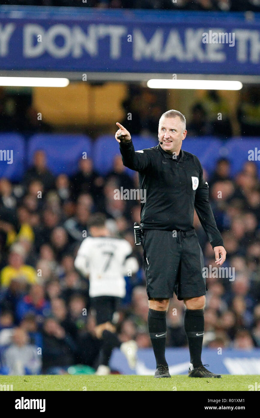 Referee, Jonathan Moss during the EFL Carabao Cup Round of 16 match between Chelsea and Derby County at Stamford Bridge, London, England on 31 October 2018. Photo by Carlton Myrie.  Editorial use only, license required for commercial use. No use in betting, games or a single club/league/player publications. Stock Photo