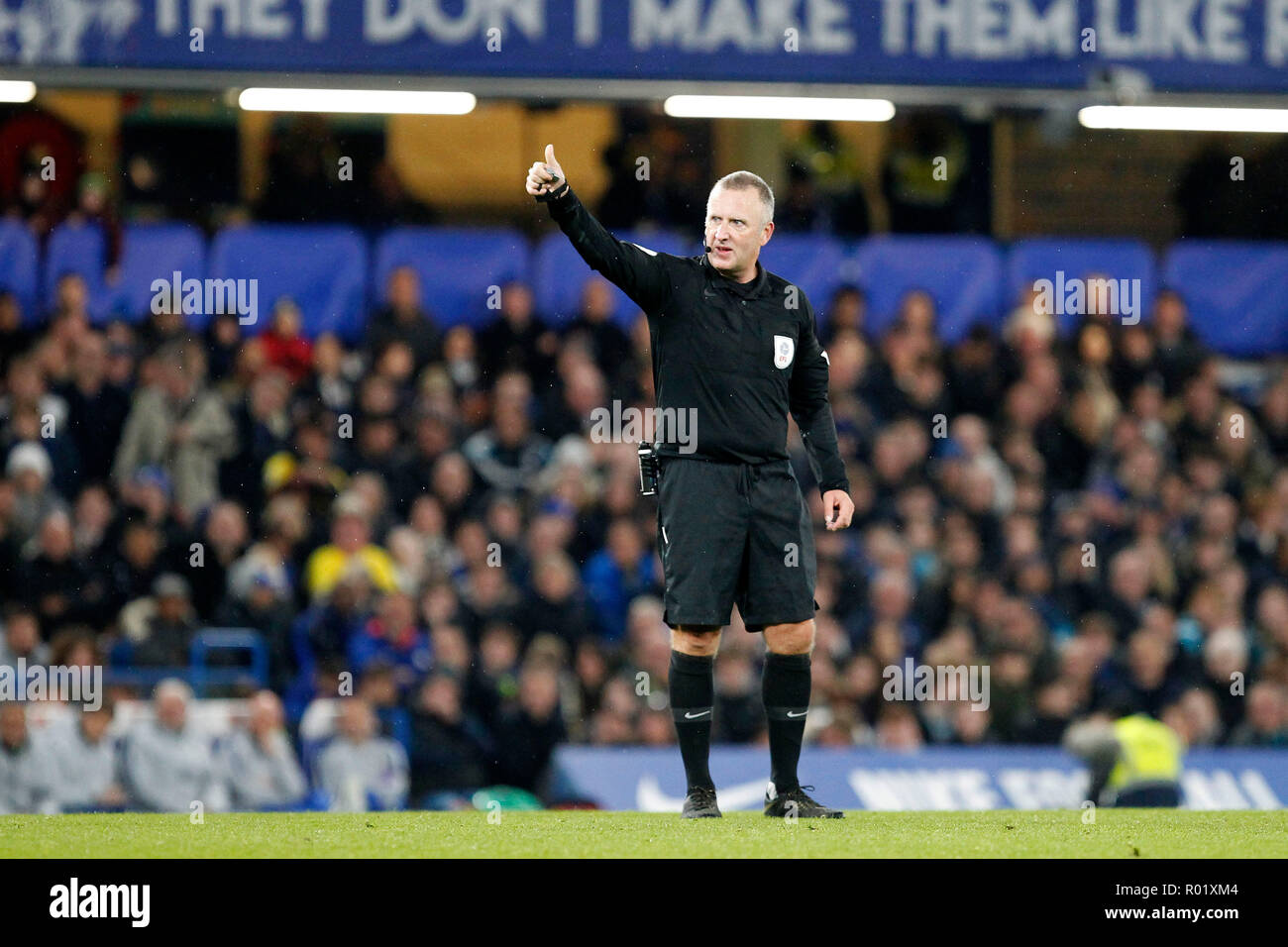 Referee, Jonathan Moss gives the thumbs up during the EFL Carabao Cup Round of 16 match between Chelsea and Derby County at Stamford Bridge, London, England on 31 October 2018. Photo by Carlton Myrie.  Editorial use only, license required for commercial use. No use in betting, games or a single club/league/player publications. - Stock Image