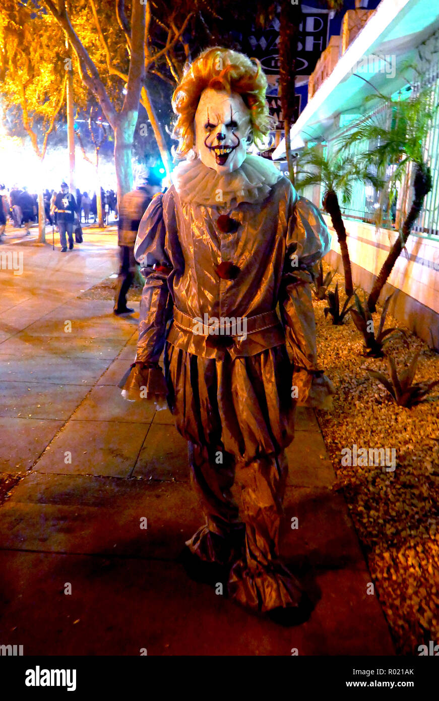 West Hollywood, USA. 31st Oct, 2018. WEST HOLLYWOOD, CA - OCTOBER 31: A general view of atmosphere of Pennywise on October 31, 2018 at West Hollywood Halloween Caranval in West Hollywood, California. Credit: Barry King/Alamy Live News - Stock Image