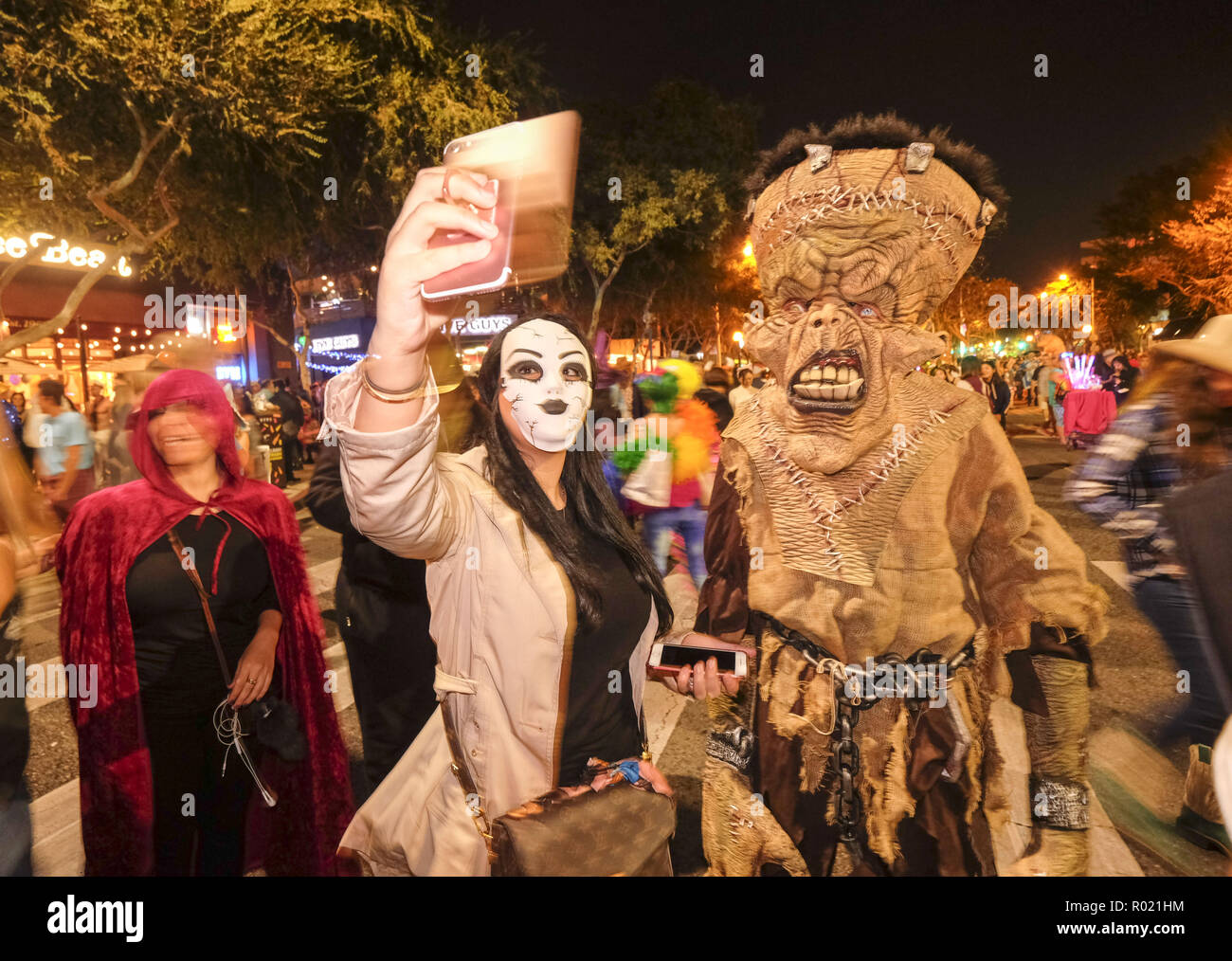 Hollywood California Halloween Parade High Resolution Stock Photography And Images Alamy