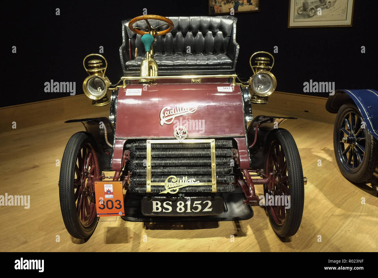 London 1st November 2018.  1904 Cadillac model A 6½HP rear entrance tonneau at Bonhams veteran cars on display at 101 New Bond Street before setting off to take part in the oldest motoring event in the world, The London to Brighton Run.Credit: Claire Doherty/Alamy Live News - Stock Image