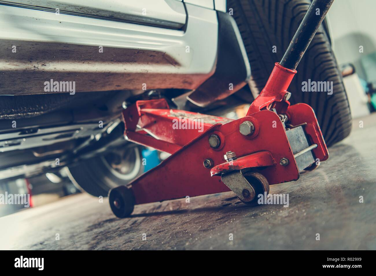 Floor Jack Car Lift Automotive Service Mechanics Professional
