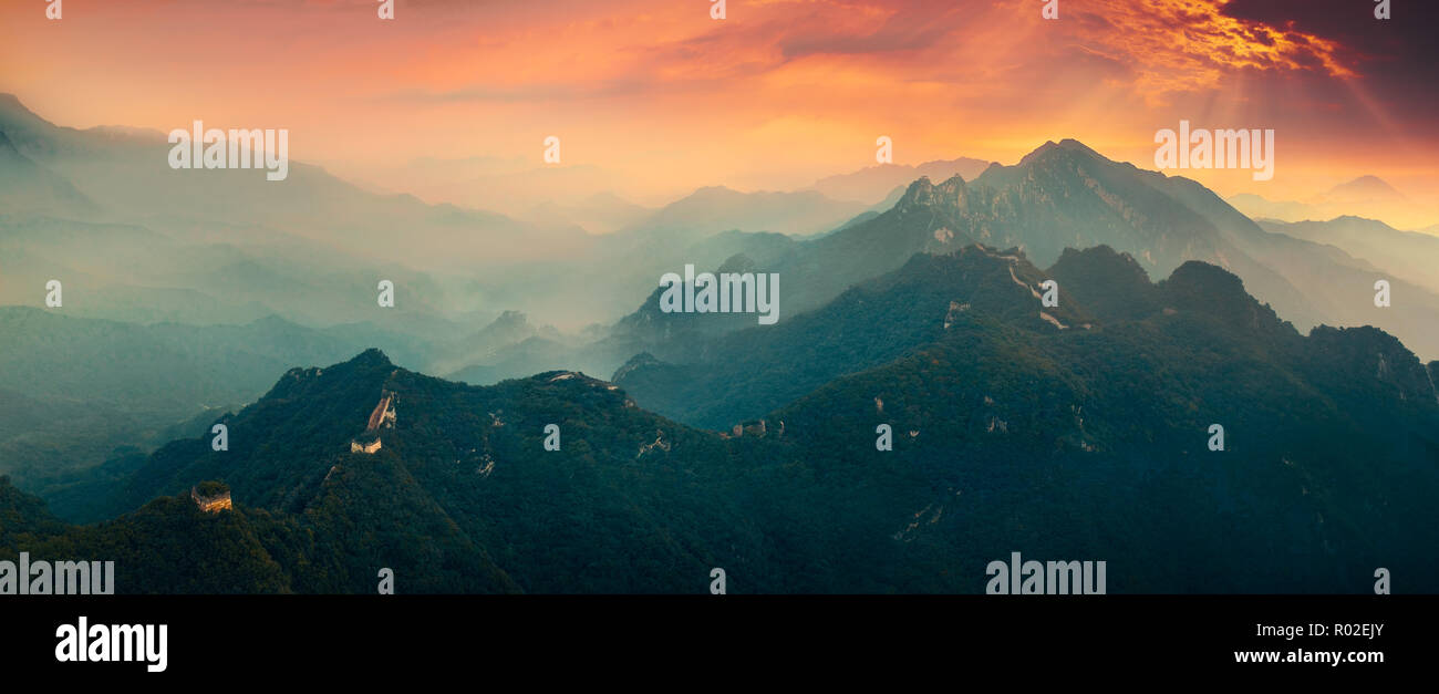 Great wall of China in mist morning - Stock Image