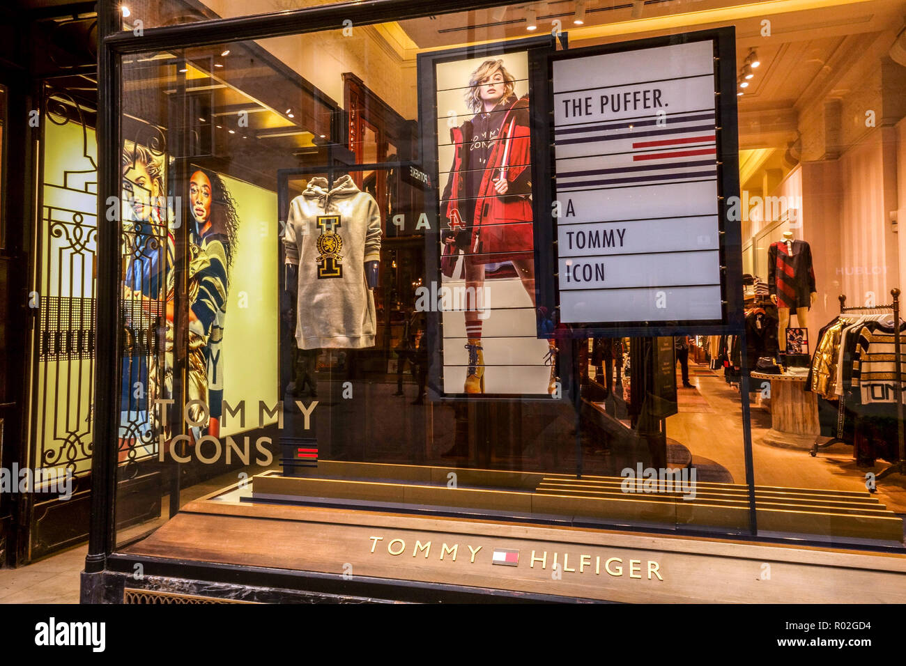 ffca6119 Vienna shopping, Tommy Hilfinger shop, Kohlmarkt, Austria, Europe - Stock  Image