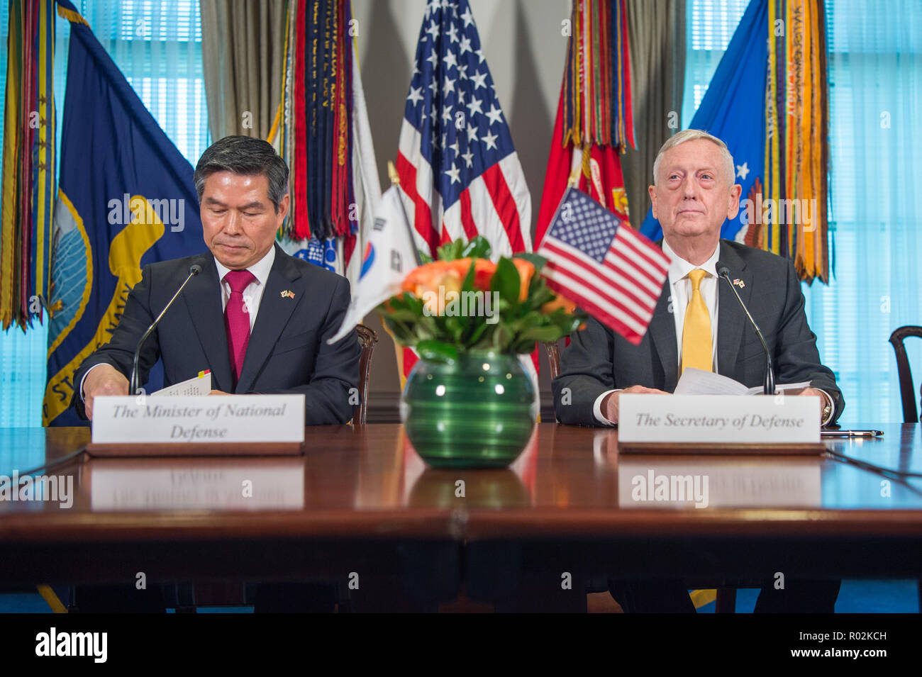 U.S. Secretary of Defense James N. Mattis meets with the Minister of Defense for the Republic of Korea Jeong Kyeong-doo during the U.S. hosted 2018 Security Consultative Meeting at the Pentagon, Washington, D.C., Oct. 31, 2018. (DoD photo by U.S. Air Force Master Sgt. Angelita Lawrence) Stock Photo