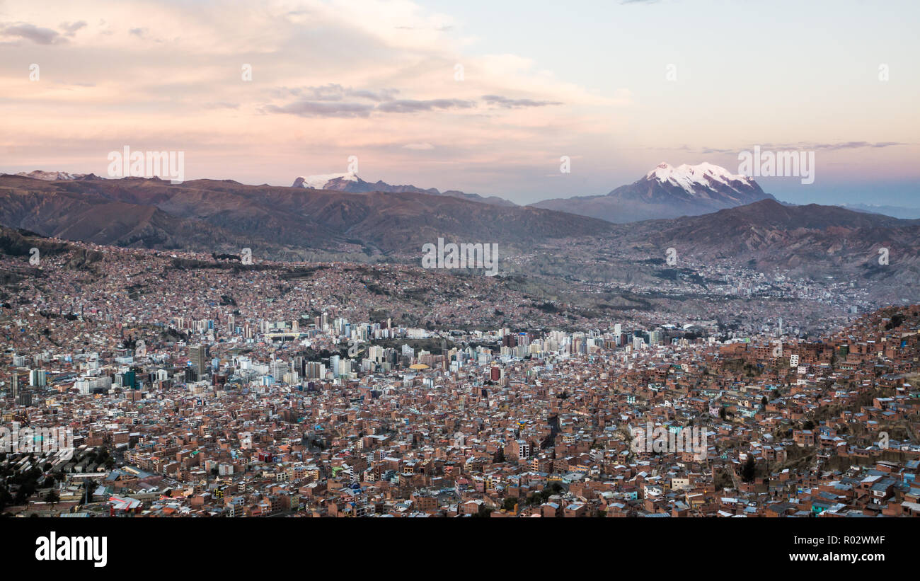 View over la Paz with the Illimani in the background - Stock Image