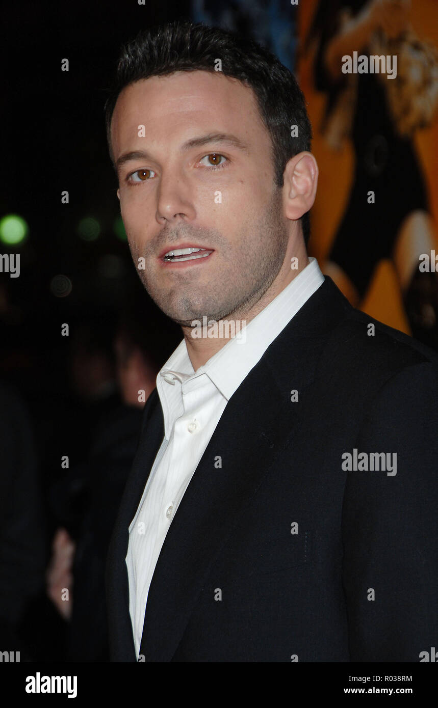 Ben Affleck arriving at the Smokin' Aces at the Chinese Theatre In Los Angeles. January 18, 2007.  eye contact portrait headshot AffleckBen020 Red Carpet Event, Vertical, USA, Film Industry, Celebrities,  Photography, Bestof, Arts Culture and Entertainment, Topix Celebrities fashion /  Vertical, Best of, Event in Hollywood Life - California,  Red Carpet and backstage, USA, Film Industry, Celebrities,  movie celebrities, TV celebrities, Music celebrities, Photography, Bestof, Arts Culture and Entertainment,  Topix, headshot, vertical, one person,, from the year , 2007, inquiry tsuni@Gamma-USA.c - Stock Image