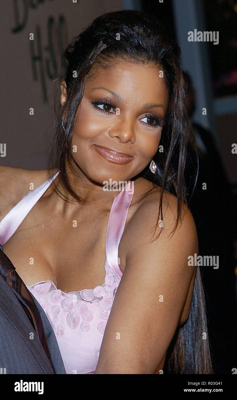 Janet Jackson arriving at the Clive Davis Annual Party for the Grammys at the beverly Hills Hotel In Los Angeles. February 12, 2005.06-JacksonJanet120 Red Carpet Event, Vertical, USA, Film Industry, Celebrities,  Photography, Bestof, Arts Culture and Entertainment, Topix Celebrities fashion /  Vertical, Best of, Event in Hollywood Life - California,  Red Carpet and backstage, USA, Film Industry, Celebrities,  movie celebrities, TV celebrities, Music celebrities, Photography, Bestof, Arts Culture and Entertainment,  Topix, headshot, vertical, one person,, from the year , 2005, inquiry tsuni@Gam - Stock Image