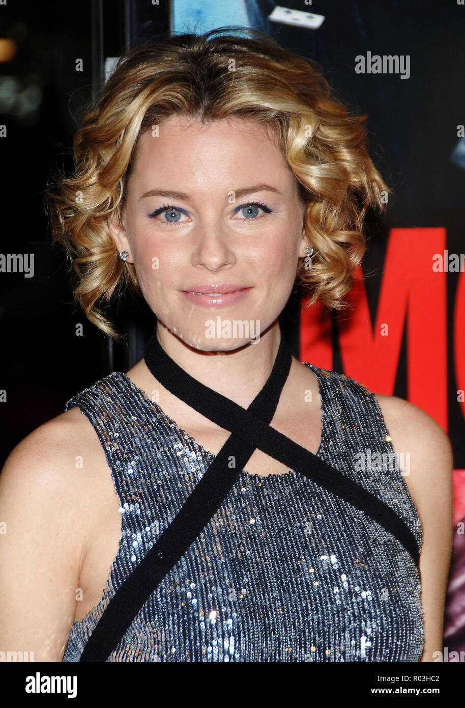 Elizabeth Banks arriving at the Smokin' Aces at the Chinese Theatre In Los Angeles. January 18, 2007.  eye contact portrait headshot silver metal dressBanksElizabeth042 Red Carpet Event, Vertical, USA, Film Industry, Celebrities,  Photography, Bestof, Arts Culture and Entertainment, Topix Celebrities fashion /  Vertical, Best of, Event in Hollywood Life - California,  Red Carpet and backstage, USA, Film Industry, Celebrities,  movie celebrities, TV celebrities, Music celebrities, Photography, Bestof, Arts Culture and Entertainment,  Topix, headshot, vertical, one person,, from the year , 2007, - Stock Image