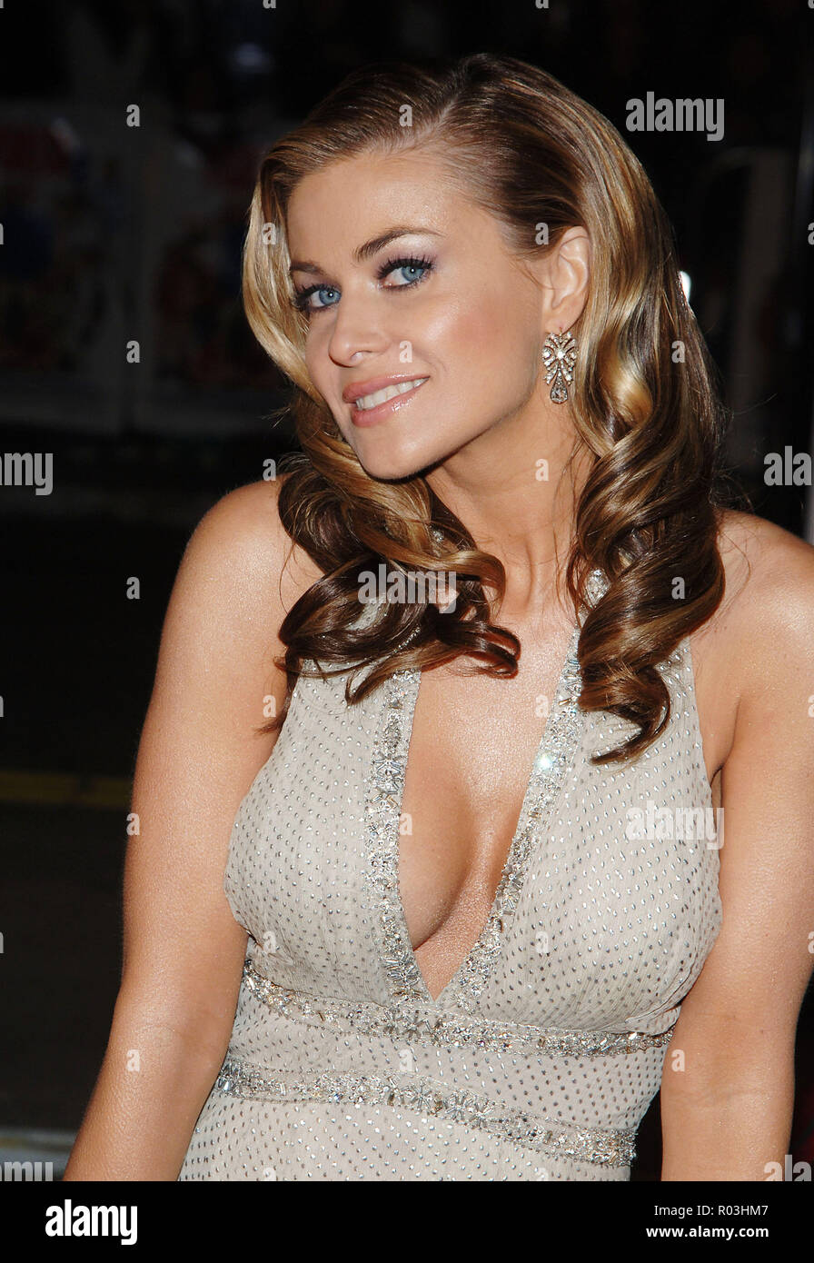 Carmen Electra arriving at the CHEAPER BY THE DOZEN 2 Premiere at the Westwood Theatre in Los Angeles. December 13, 2005.21_ElectraCarmen078 Red Carpet Event, Vertical, USA, Film Industry, Celebrities,  Photography, Bestof, Arts Culture and Entertainment, Topix Celebrities fashion /  Vertical, Best of, Event in Hollywood Life - California,  Red Carpet and backstage, USA, Film Industry, Celebrities,  movie celebrities, TV celebrities, Music celebrities, Photography, Bestof, Arts Culture and Entertainment,  Topix, headshot, vertical, one person,, from the year , 2005, inquiry tsuni@Gamma-USA.com - Stock Image