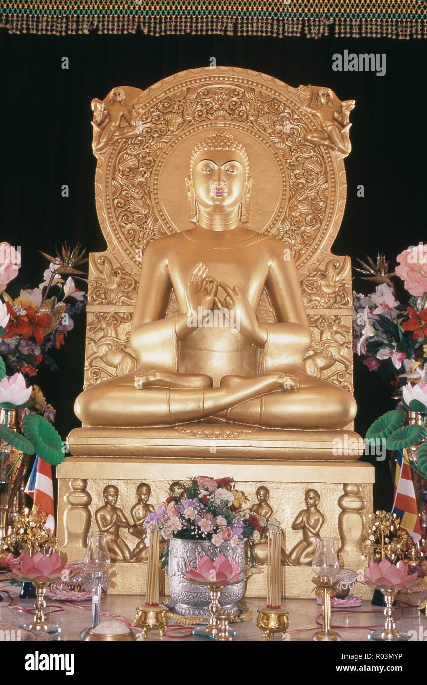 Statue, Buddha, Mulagandha Kuti Vihar Sarnath, Varanasi, Uttar Pradesh, India, Asia - Stock Image