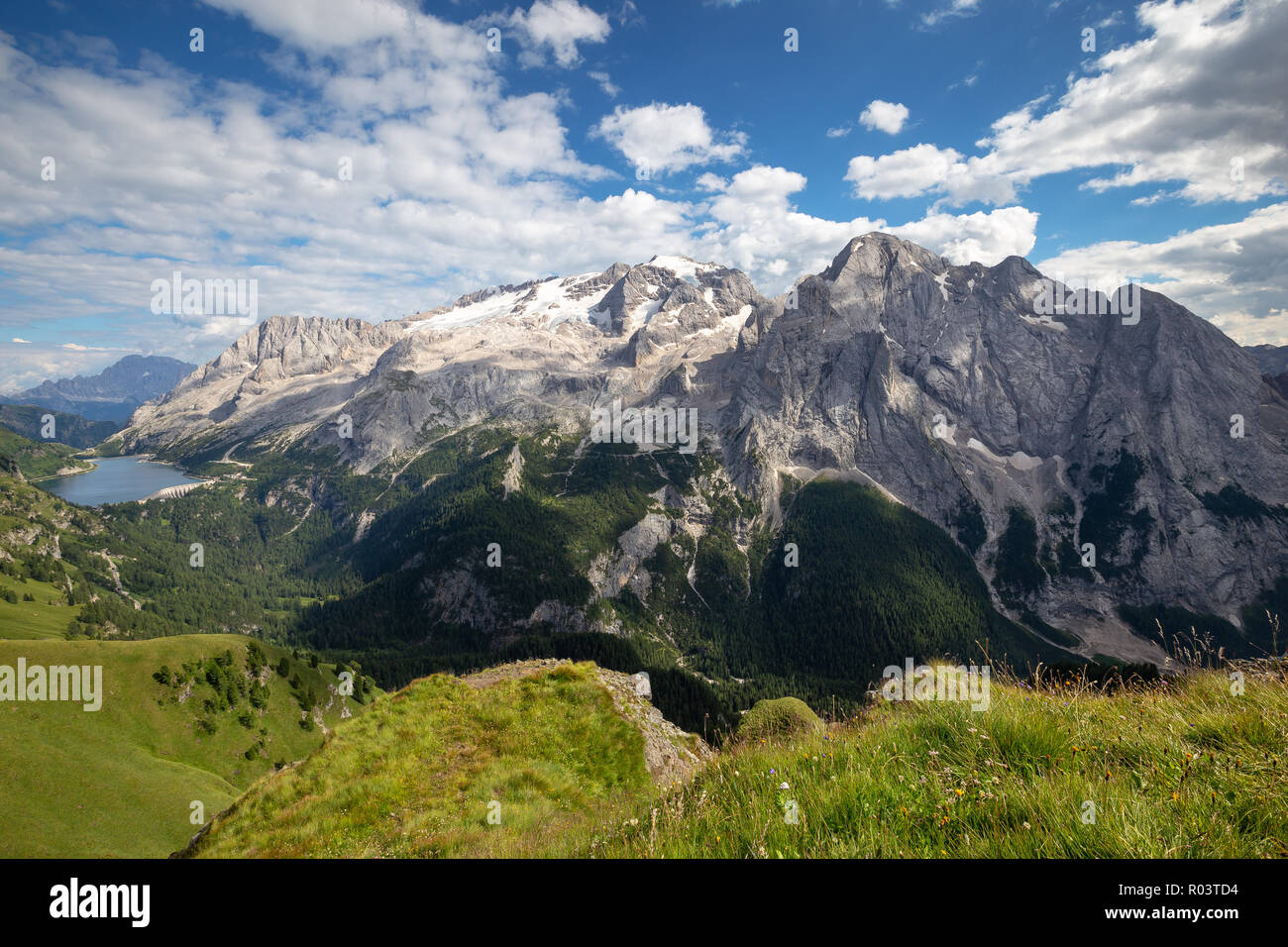 Viel dal Pan. The Marmolada group. Lago di Fedaia. The Dolomites. - Stock Image