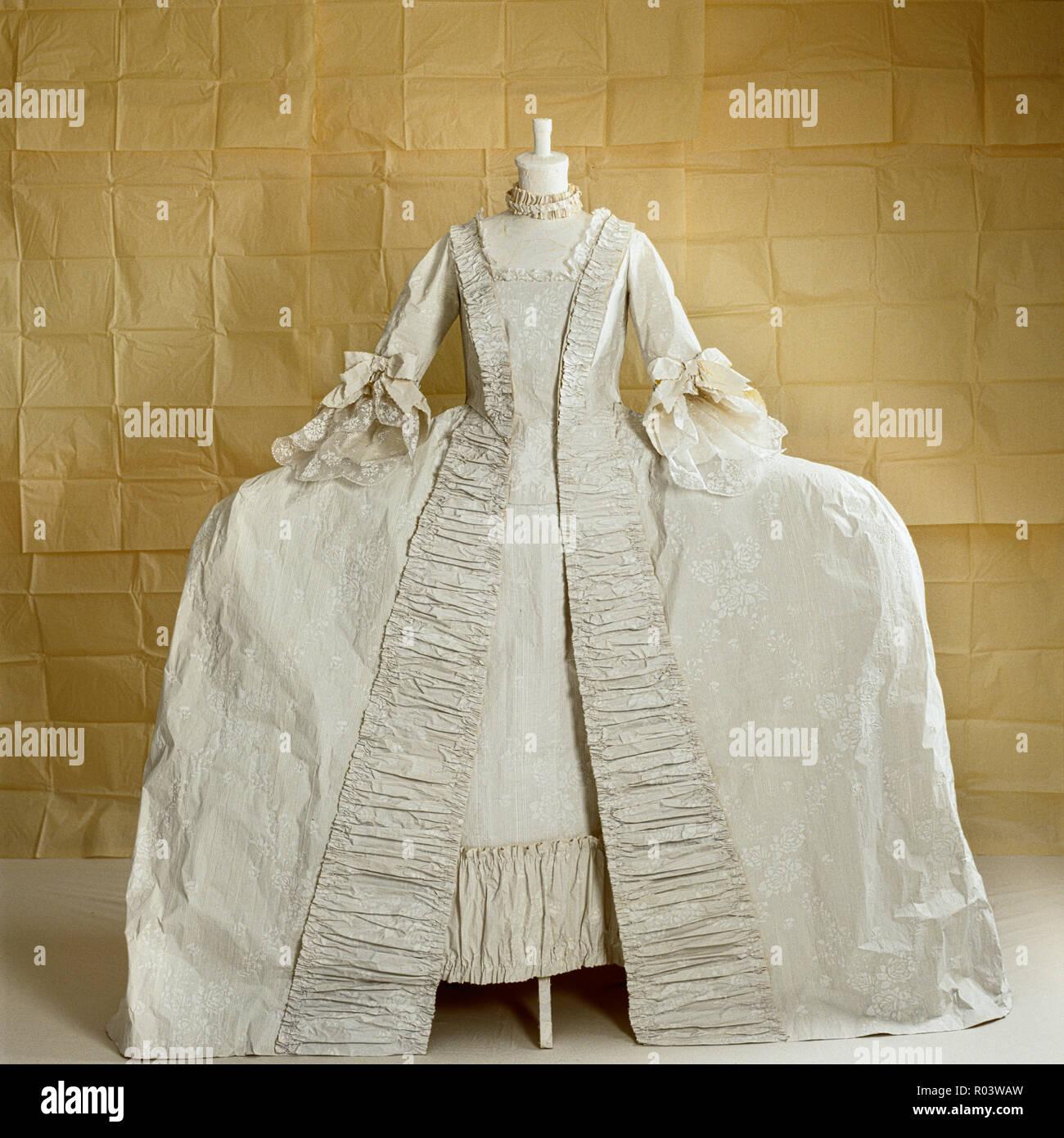 3 Hoops Petticoats for Wedding Dress Crinoline For Ball Gown cp DSUK