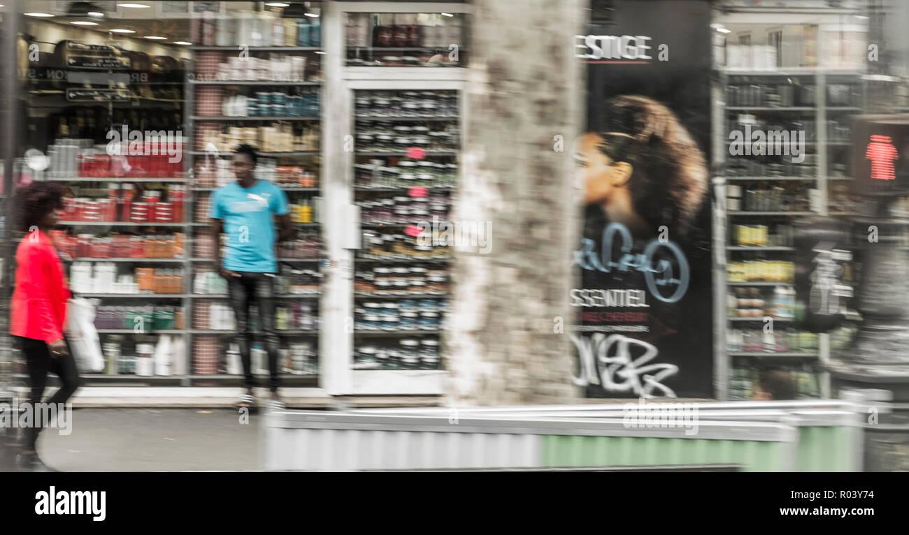 paris street scene, motion blur - Stock Image