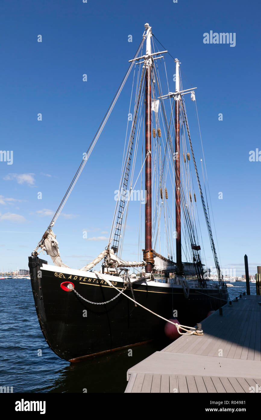 Adventure, a 1926, gaff rigged knockabout schooner, moored in Boston Harbour, Stock Photo