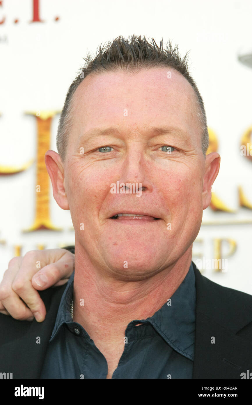 Robert Patrick  12/08/07 'The Water Horse - Legend of the Deep' Premiere  @ Pacific Cinerama Dome, Hollywood Photo by Ima Kuroda/HNW / PictureLux  (December 8, 2007) File Reference # 33689_542HNWPLX - Stock Image