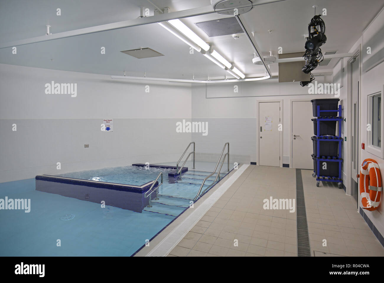 Hydrotherapy pool in a brand new special school for children with severe learning difficulties, Southwark, London, UK Stock Photo