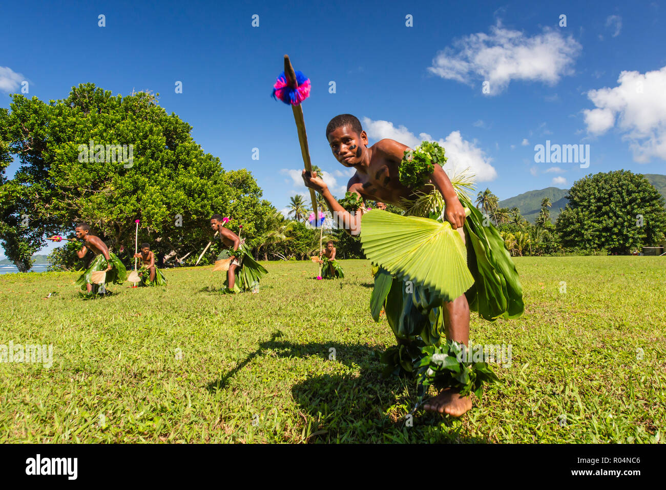 Children from the township of Waitabu perform traditional dance on Taveuni Island, Republic of Fiji, South Pacific Islands, Pacific - Stock Image