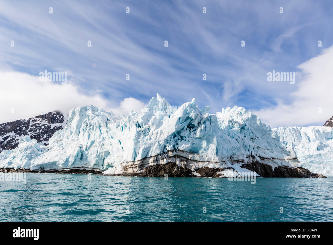 Monacobreen (Monaco Glacier) on the northeastern side of the island of Spitsbergen, Svalbard, Arctic, Norway, Europe - Stock Image