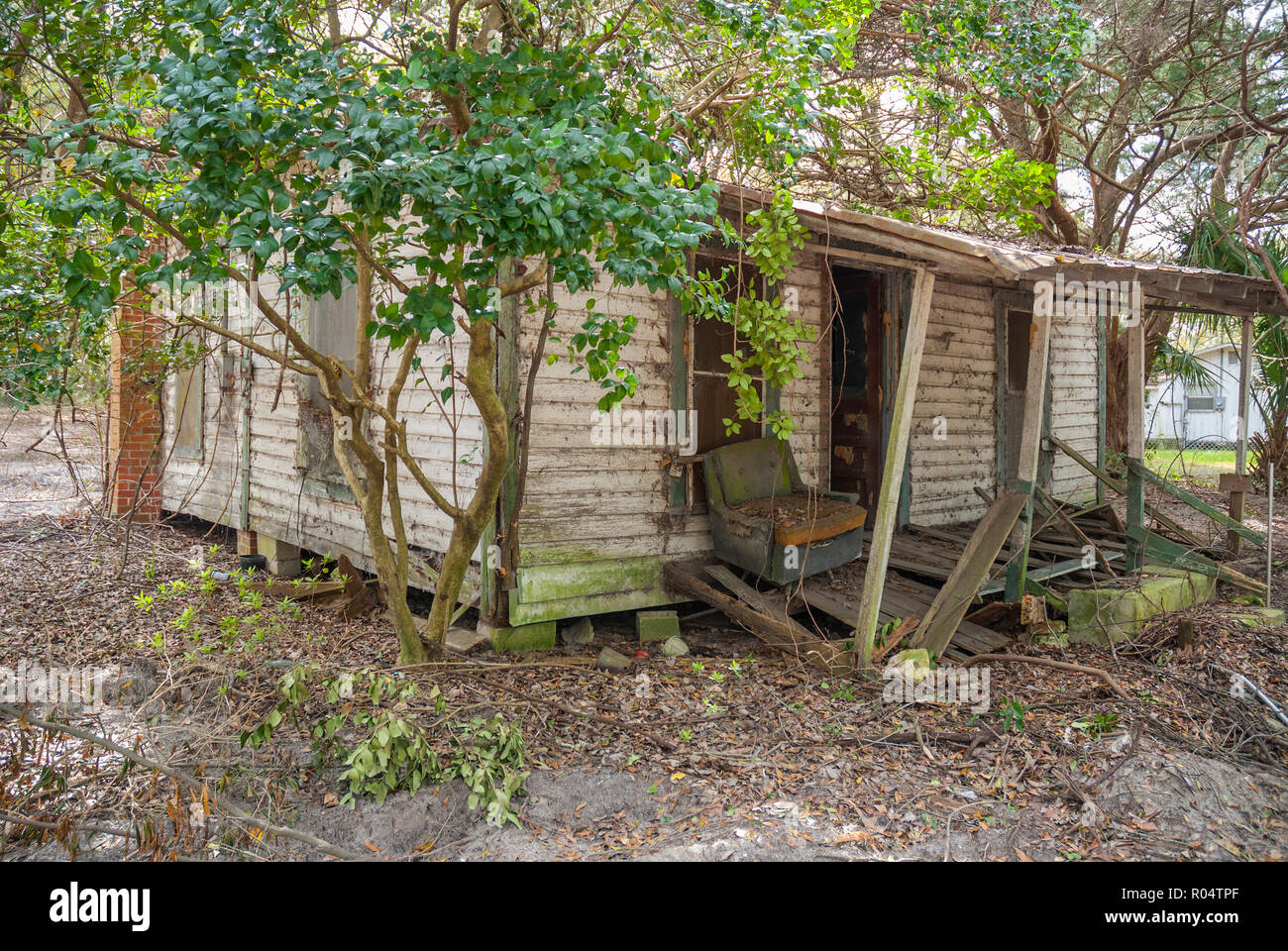Old abandoned house in a small town in North Central Florida. - Stock Image