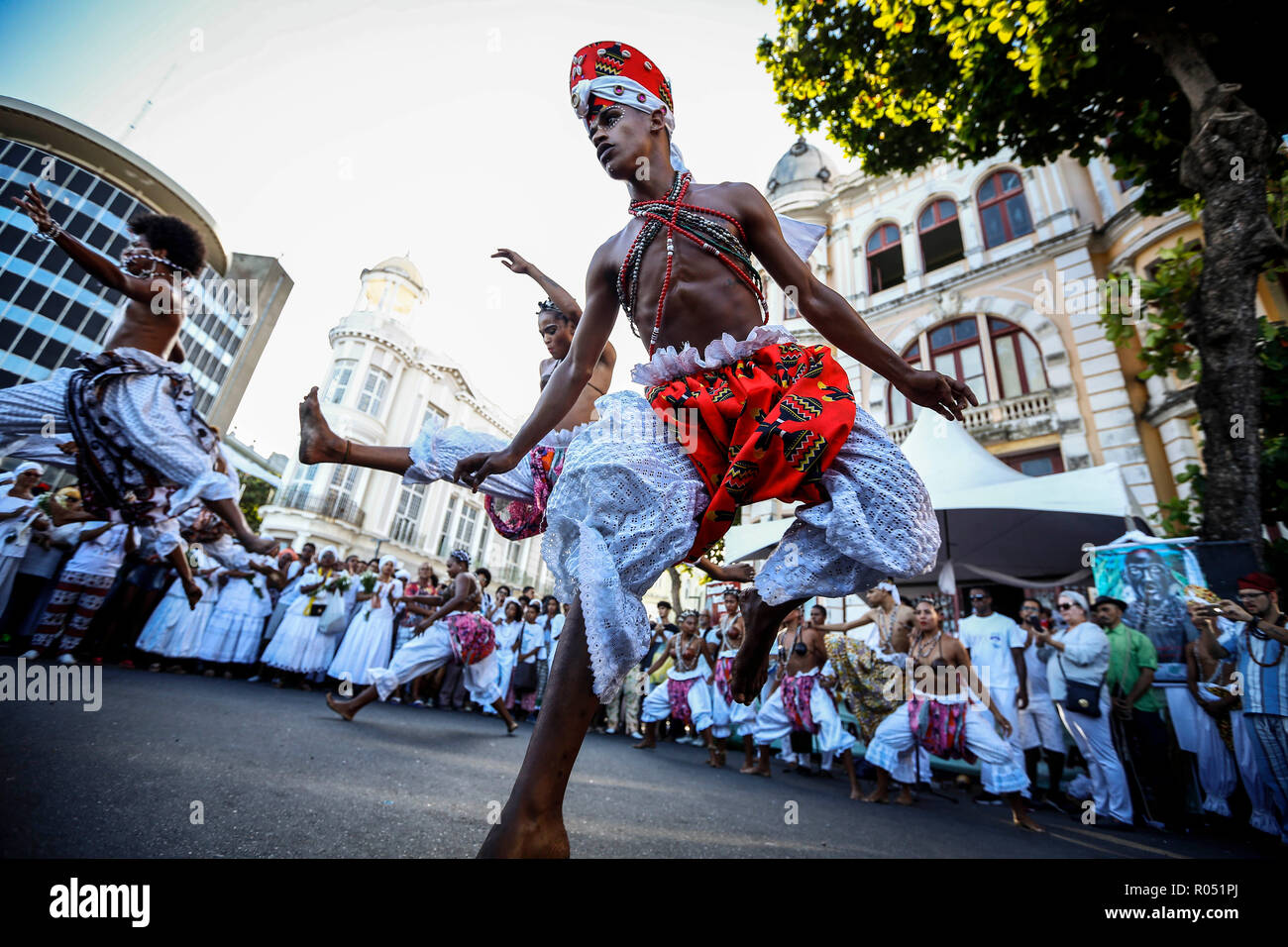 Recife, Brazil. 1st Nov 2018. 12 Walk of the Terreiros - Recife - 12 Walk of the Terreiros in Marco Zero, in the neighborhoods of the Old Recife, that marks the opening of the Month of the Black Consciousness, this Thursday (01) Photo: Paulo Paiva / AGIF Credit: AGIF/Alamy Live News - Stock Image