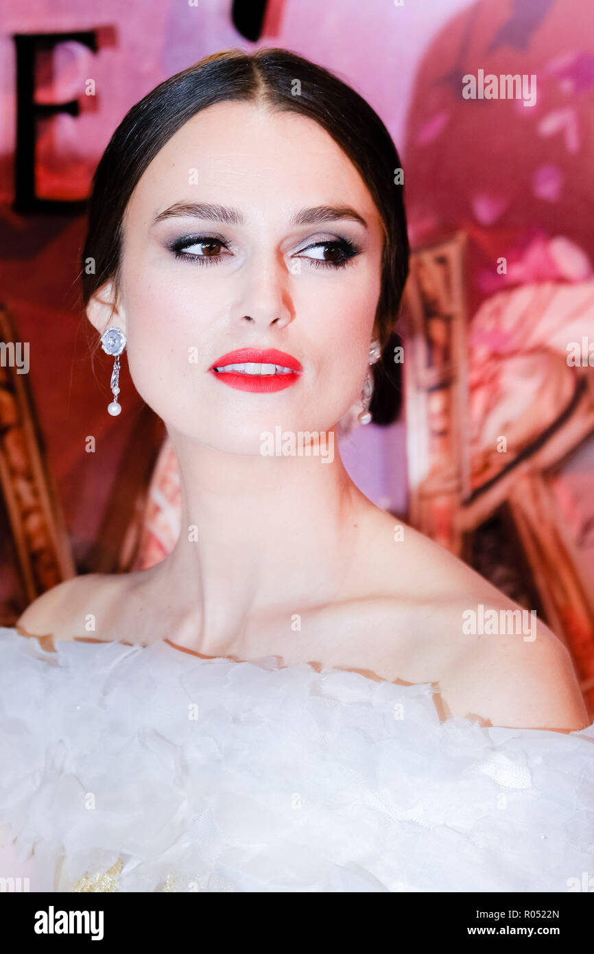 London, UK. 1st Nov 2018. Keira Knightley at The European Gala of The Nutcracker and the Four Realms on Thursday 1 November 2018 held at VUE Westfield, London. Pictured: Keira Knightley. Picture by Julie Edwards. Credit: Julie Edwards/Alamy Live News Stock Photo