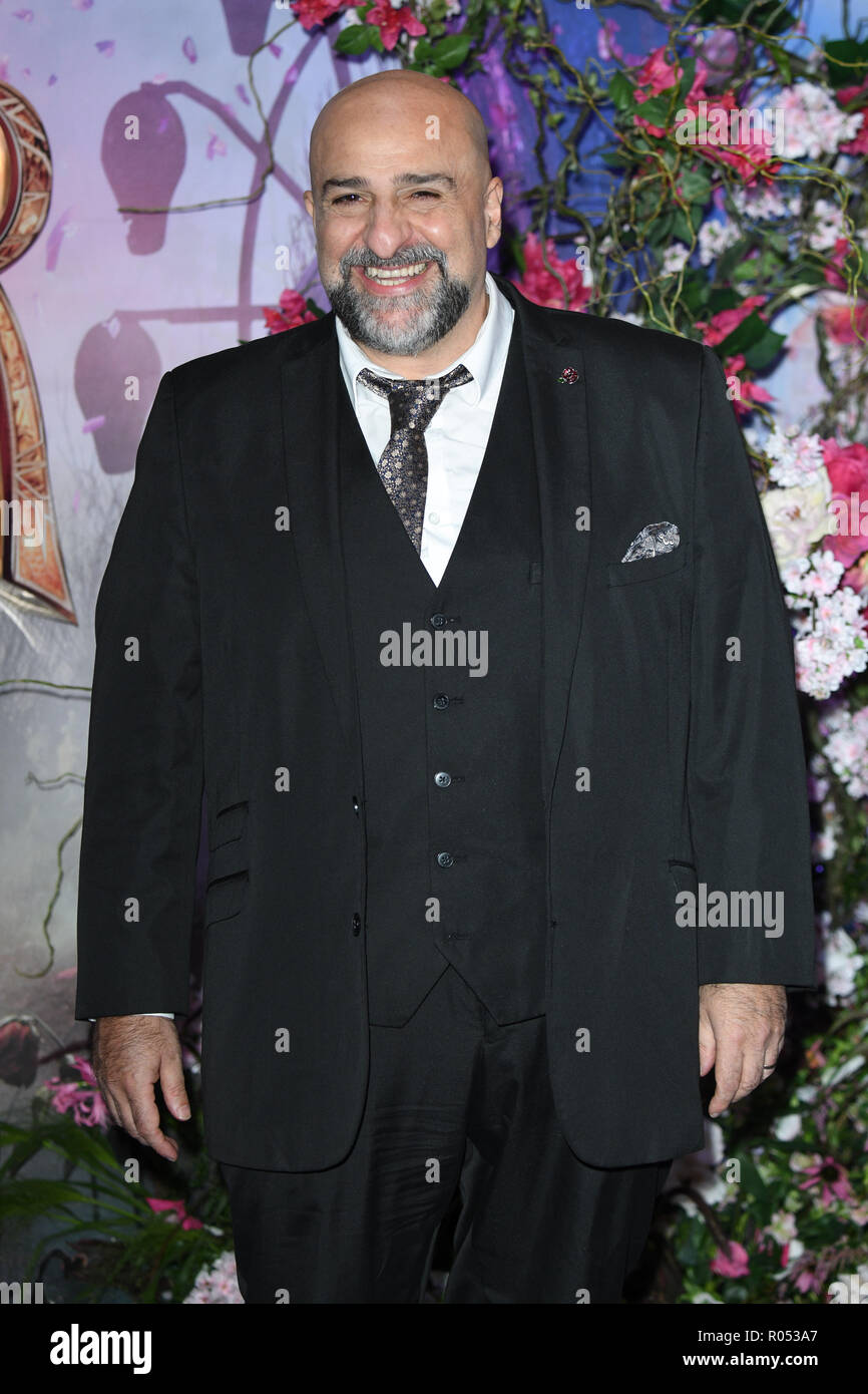LONDON, UK. November 01, 2018: Omid Djalili at the European premiere of 'The Nutcracker and the Four Realms' at the Vue Westfield, White City, London. Picture: Steve Vas/Featureflash Credit: Paul Smith/Alamy Live News - Stock Image