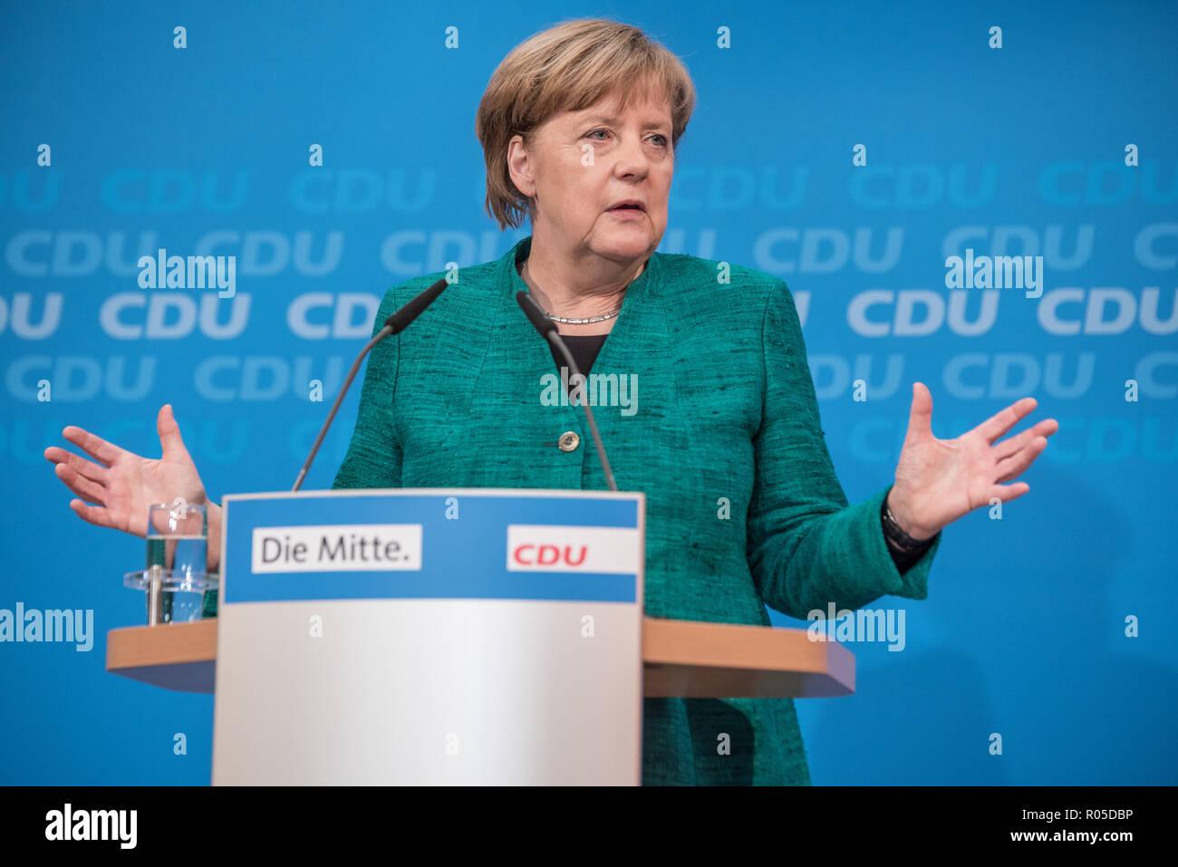Merkel am 25.02.2018 beim Pressekonferenz über die kommende GroKo Entscheidung Stock Photo