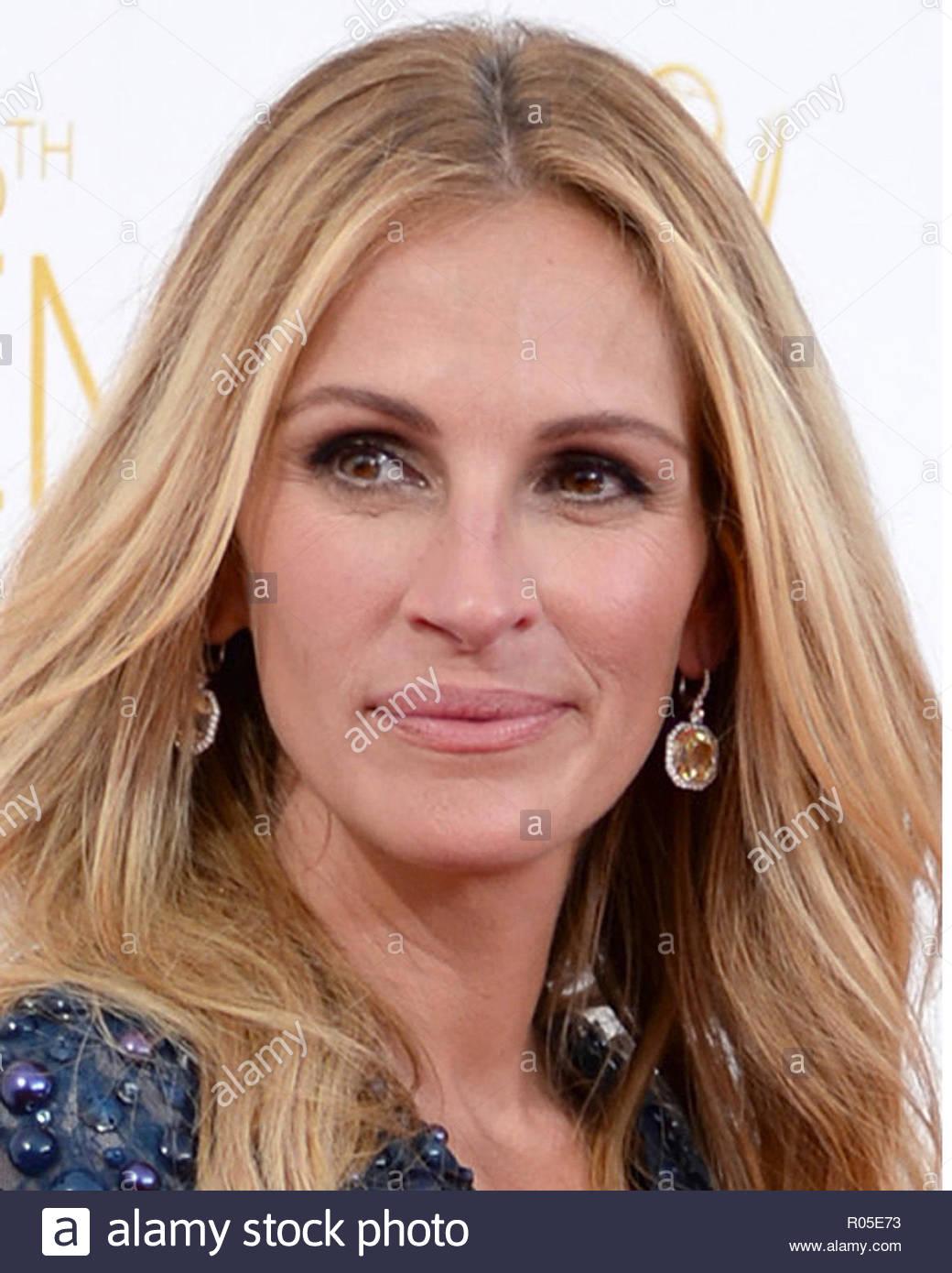 Julia roberts who is she dating. early warning signs of dating abuse.