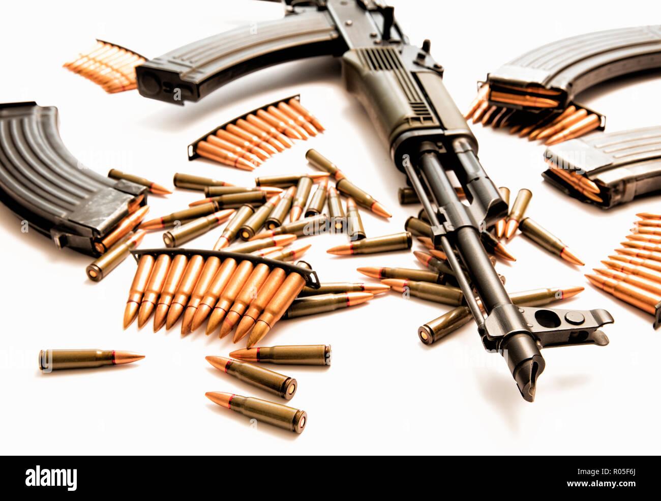 AK-47 assault rifle with live ammunition - Stock Image