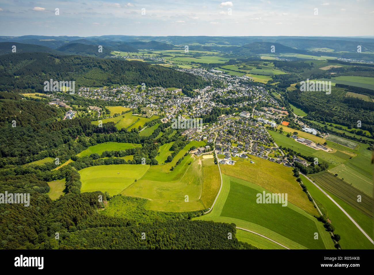 Luftbild, Blick von Nord-West auf Bad Fredeburg, Ortsumgehung, Schmallenberg, Sauerland, Nordrhein-Westfalen, Deutschland, DEU, Europa, birds-eyes vie - Stock Image
