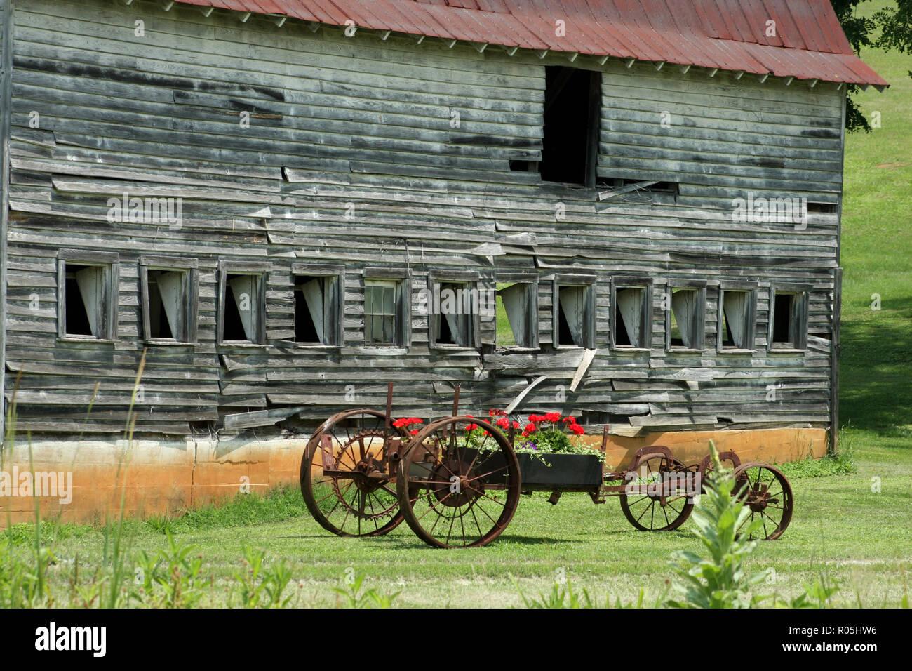 Wagon Part Old Wheel Stock Photos & Wagon Part Old Wheel