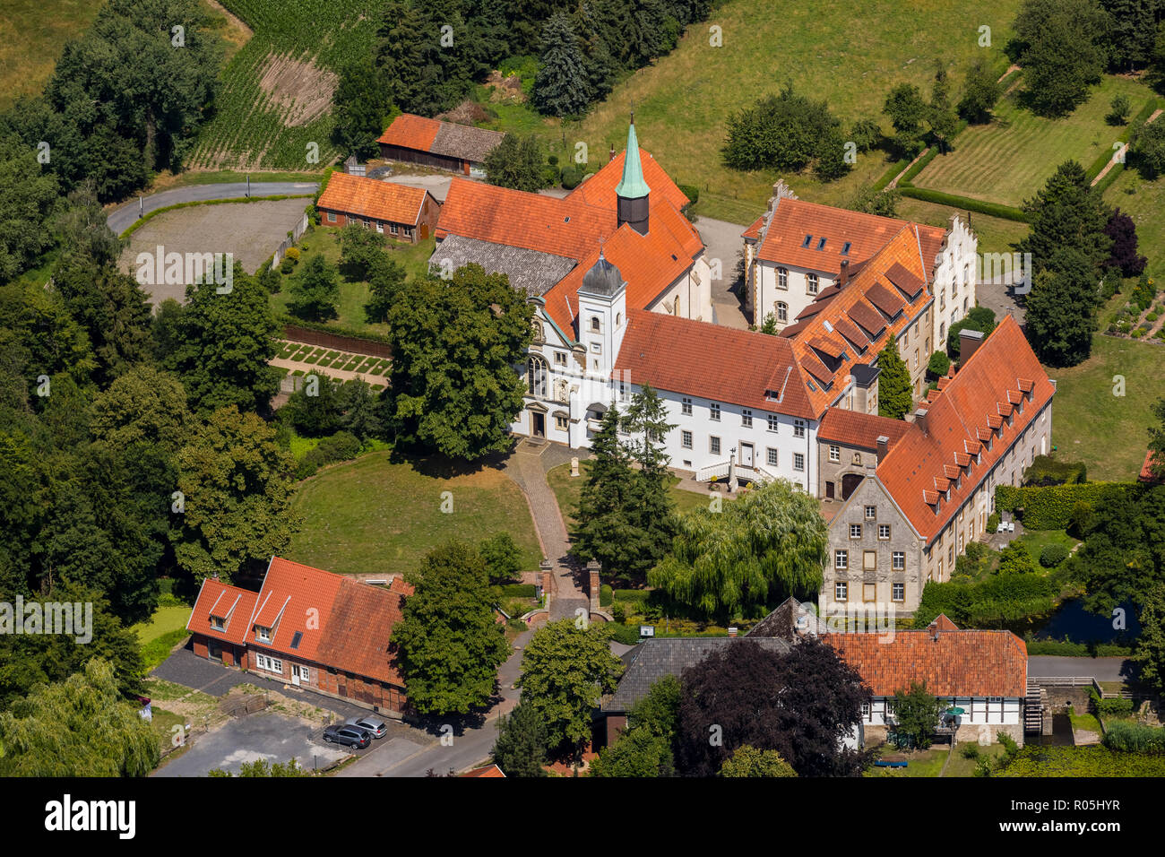 Luftbild, Kloster Vinnenberg - Ort Geistlicher Erfahrungen, Landgasthof - Zum kühlen Grunde, Bever, Staatswald Vinnenberger Busch, Warendorf, Münsterl - Stock Image