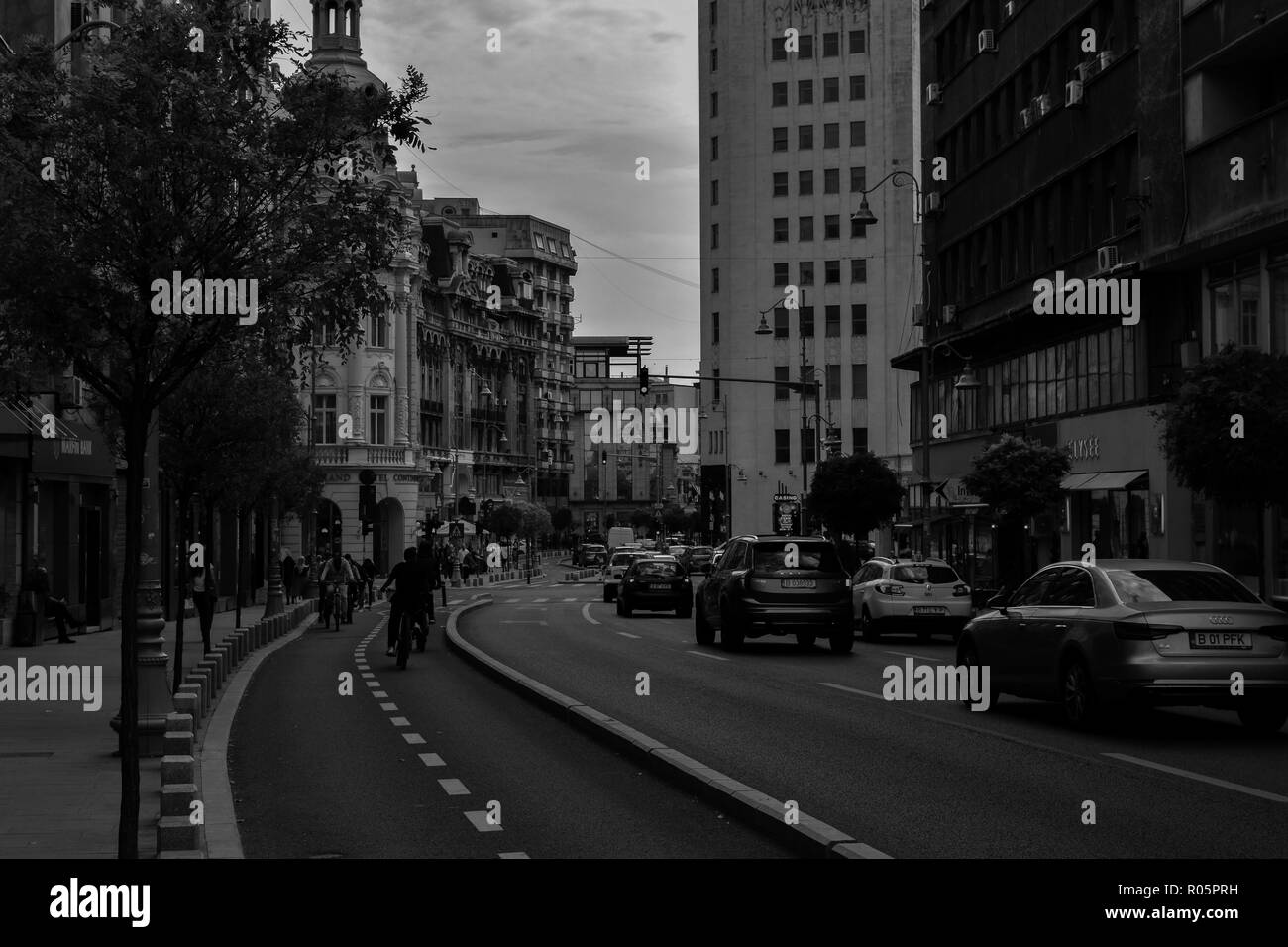 Busy street in Bucharest - Stock Image
